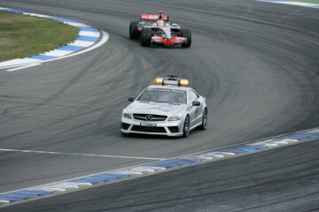 Formel 1, Grand Prix Deutschland 2008, Hockenheimring, 20.07.2008 F1 Safety Car, Mercedes-Benz SL 63 AMG Sieger Lewis Hamilton (1.), McLaren-Mercedes MP4-23
