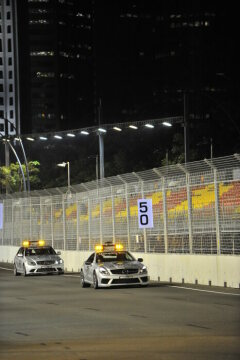 Formel 1, Grand Prix Singapur 2008, Singapur, 28.09.2008 F1 Safety Car, Mercedes-Benz SL 63 AMG F1 Medical Car, Mercedes-Benz C 63 AMG