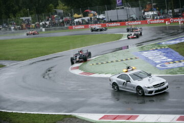 Formel 1, Grand Prix Italien 2008, Monza, 14.09.2008 Start hinter Safety Car F1 Safety Car, Mercedes-Benz SL 63 AMG Sieger Sebastian Vettel, Toro Rosso-Ferrari STR3 Heikki Kovalainen (2.), McLaren-Mercedes MP4-23 Mark Webber, Red Bull-Renault RB4 Nico Rosberg, Williams-Toyota FW30 Felipe Massa, Ferrari F2008