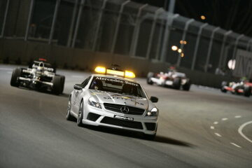 Formel 1, Grand Prix Singapur 2008, Singapur, 28.09.2008 F1 Safety Car, Mercedes-Benz SL 63 AMG Nico Rosberg, Williams-Toyota FW30