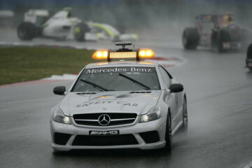 Formel 1, Grand Prix China 2009, Shanghai, 19.04.2009 Start hinter Safety Car F1 Safety Car, Mercedes-Benz SL 63 AMG